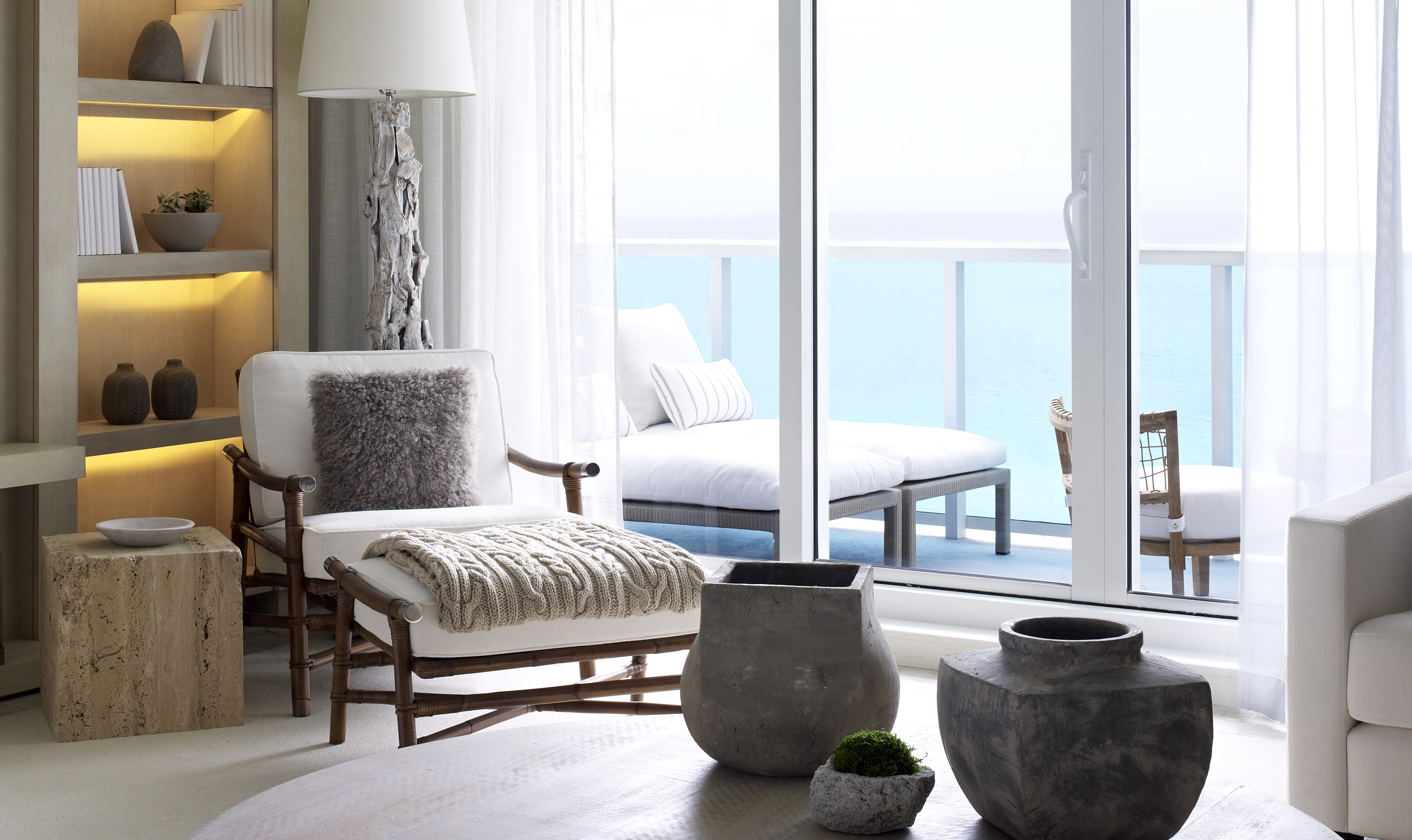 ... Miami Beachfront Condos Living Room ...